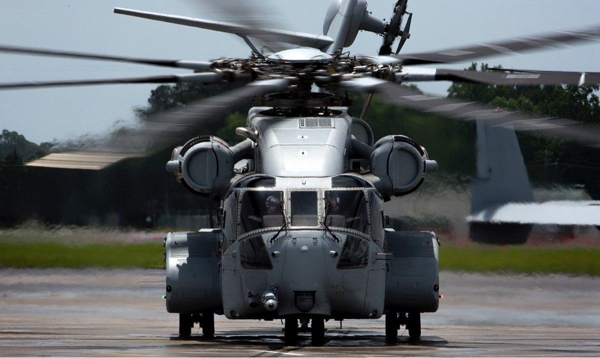 美军首架CH53K重型直升机服役 最大载荷接近16吨