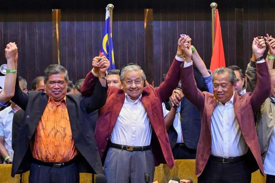 """马哈蒂尔重新""""掌舵""""马来西亚 当地华人:希望继续推进""""一带一路""""合作"""