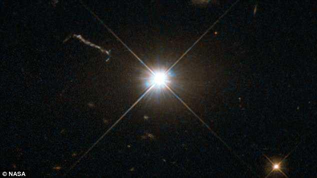 """天文学家发现增长最快的黑洞 每两天吞噬一个""""太阳"""""""