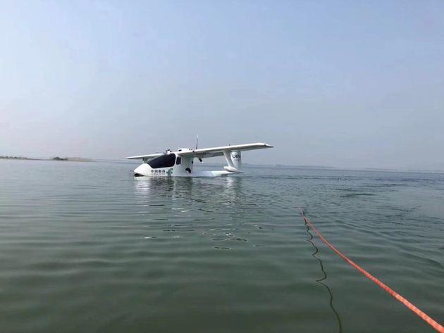 载重200公斤!中国邮政EMS水陆两栖无人机试飞成功