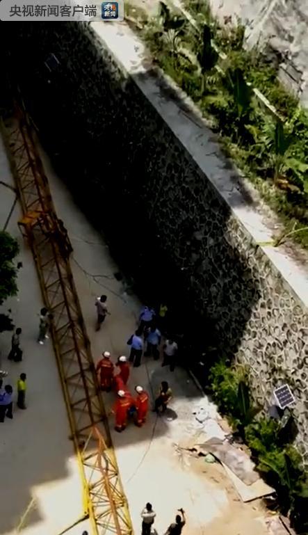 海南五指山一在建工地塔吊倒塌 致4人死亡