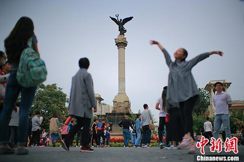 天津海河英才计划:40岁以下本科毕业生可直接落户
