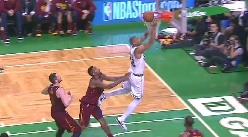 NBA不对JR推人做后续处罚 史密斯:那是好犯规