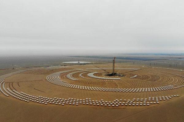 敦煌100MW塔式熔盐光热电站土建完成进入安装环节