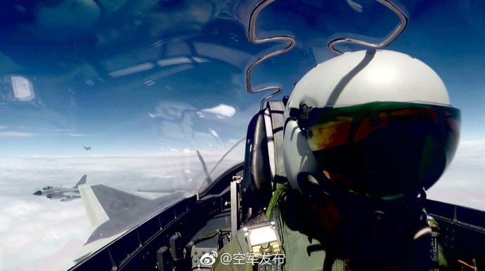 专家:歼20战机具备两大功能 未来必将巡航台湾