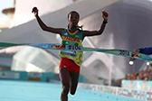 1小时06分11秒!女子半程马拉松世界纪录诞生