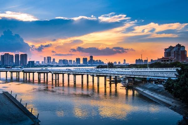 """【航拍】换个视角看改革开放 到泉州""""上天看桥""""吧"""
