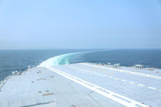 我国第二艘航母完成首次出海试验