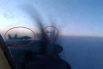 美国出动2架F-22在阿拉斯加拦截俄图95轰炸机