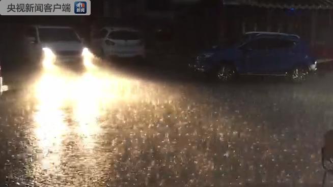 甘肃多地再次遭遇短时强降雨 部分城区内涝(图)