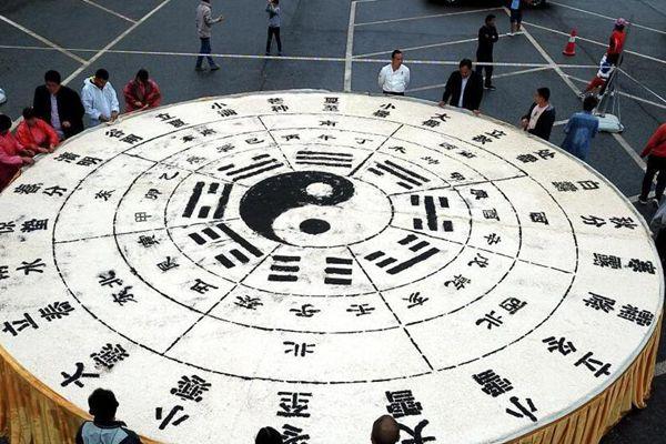"""3吨半豆腐打造出巨型""""二十四节气""""图"""