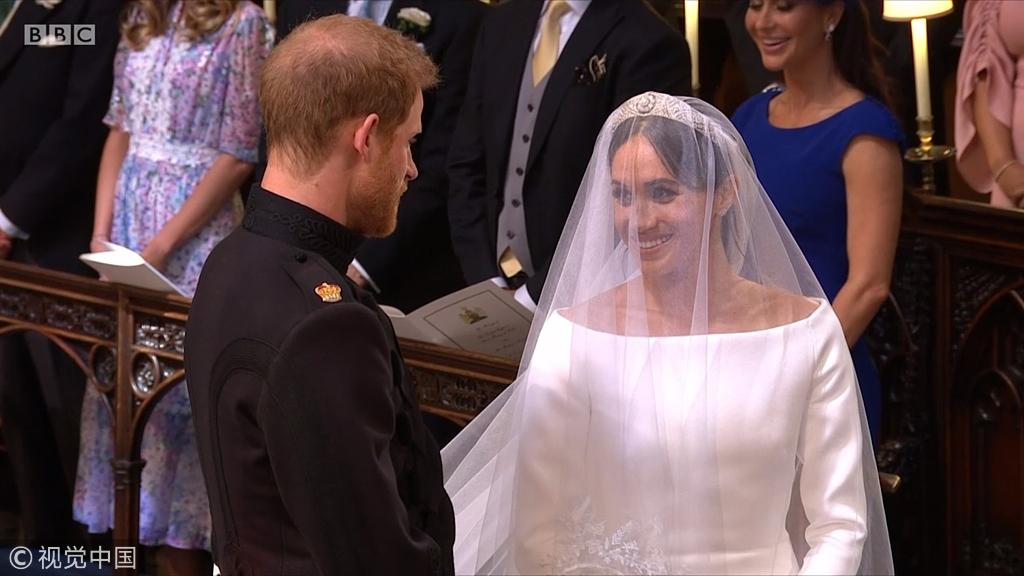 哈里王子与梅根婚礼现场:新娘美翻了