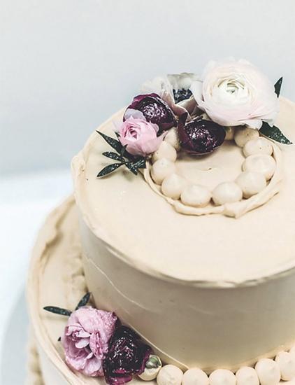 Violet Bakery作品
