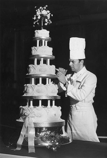 安妮与马克·菲利普斯上尉婚礼蛋糕