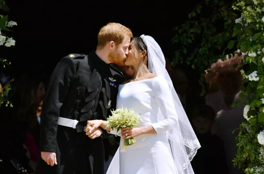 英国哈里王子花3亿迎娶梅根 37岁二婚王妃有什么魅力