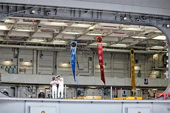 日本最新准航母面对民众开放 内部罕见公开
