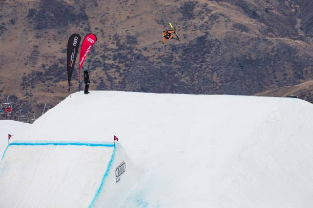 格鲁吉亚获2023年自由式滑雪世锦赛举办权