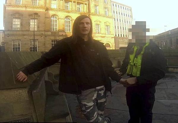 英恋童癖者被正义组织巧设局揭露 法庭却对其轻判