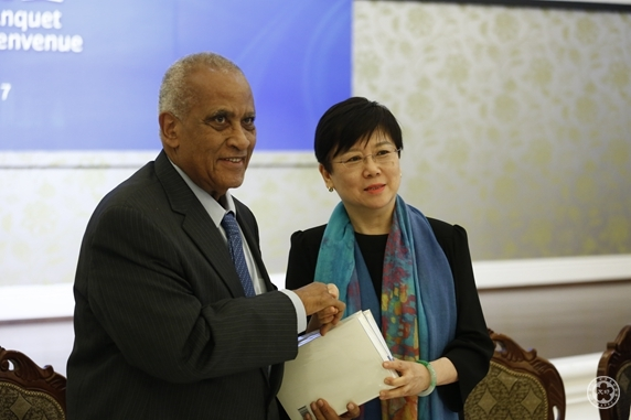 Tanzanian former Prime Minister Dr. Salim Visits China