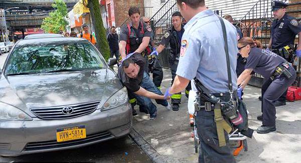 纽约25人吸食新型大麻失去意识 如行尸走肉