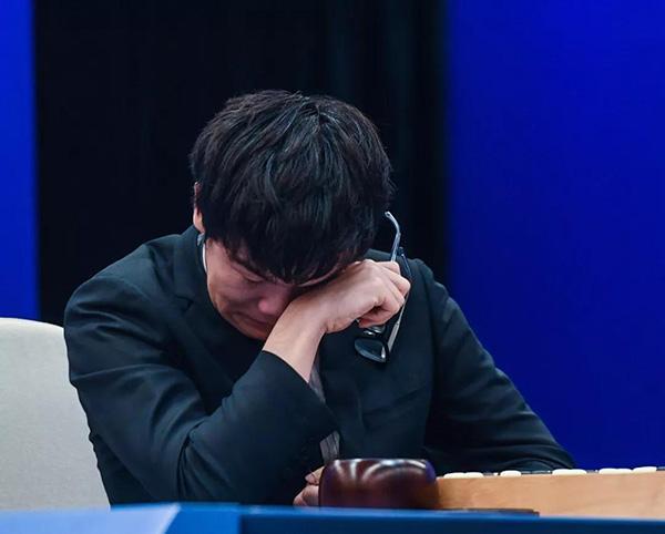 柯洁首度还原对战AlphaGo幕后故事:我的汗水没打折扣