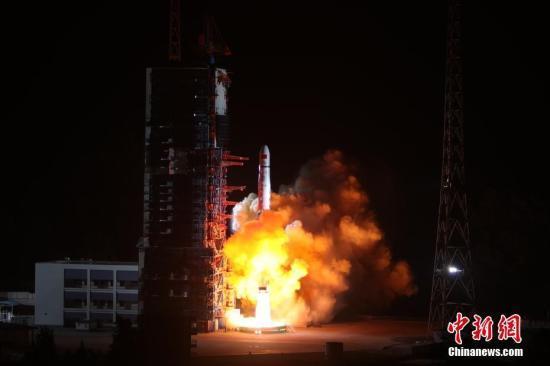鹊桥号发射成功 成为世界首颗连通地月中继卫星