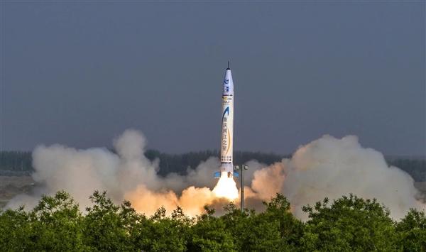 震撼视频:中国首枚全民营自主火箭首飞成功