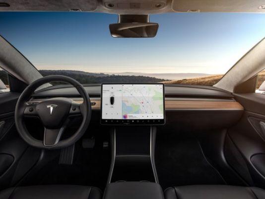 外媒解析特斯拉、凯迪拉克与日产三大半自动驾驶系统