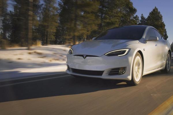 特斯拉Model 3全驱高性能版续航500公里 起价7.8万美元