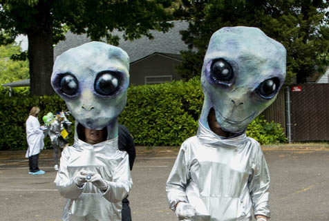 地球人召唤外星人?美国UFO节精彩上演