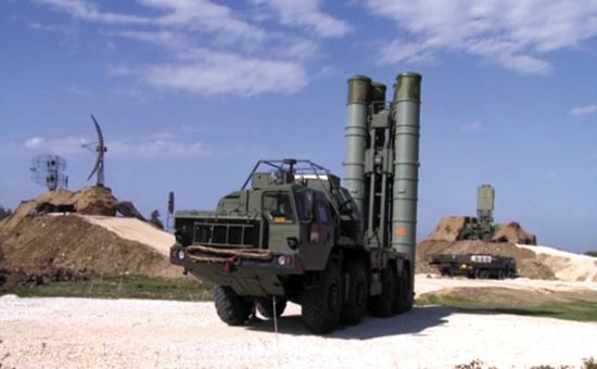 神秘无人机飞近俄军驻叙赫迈米姆基地被击落