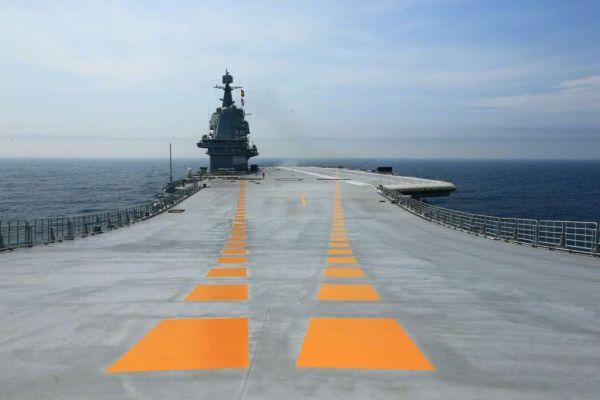 专家:下艘国产航母或近在咫尺 6艘航母符合需要