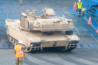 230部美陆军重型装备抵达欧洲 将展开部署