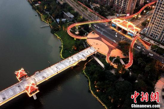 """空中鸟瞰福建漳州""""飘带""""天桥"""