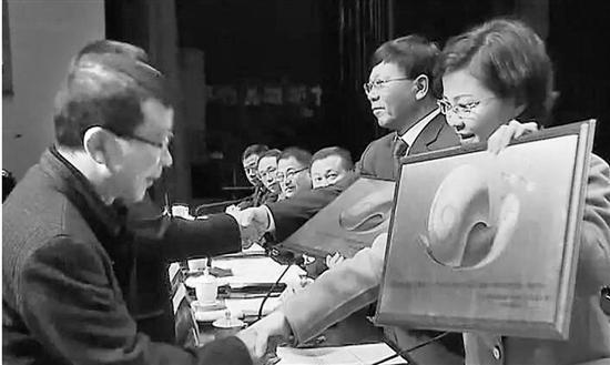 """浙江一县为懒政怠政单位颁""""蜗牛奖"""" 干部队伍引震动"""