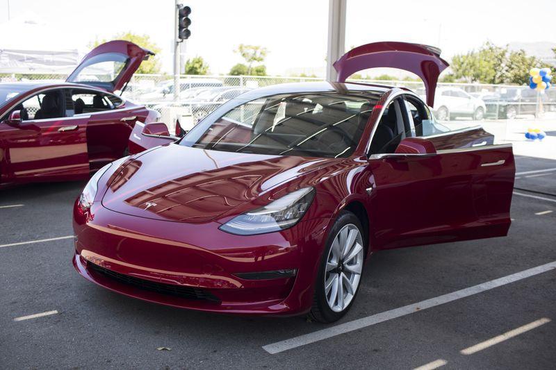 美权威杂志测评Model 3:刹车距离太长 是很大缺陷