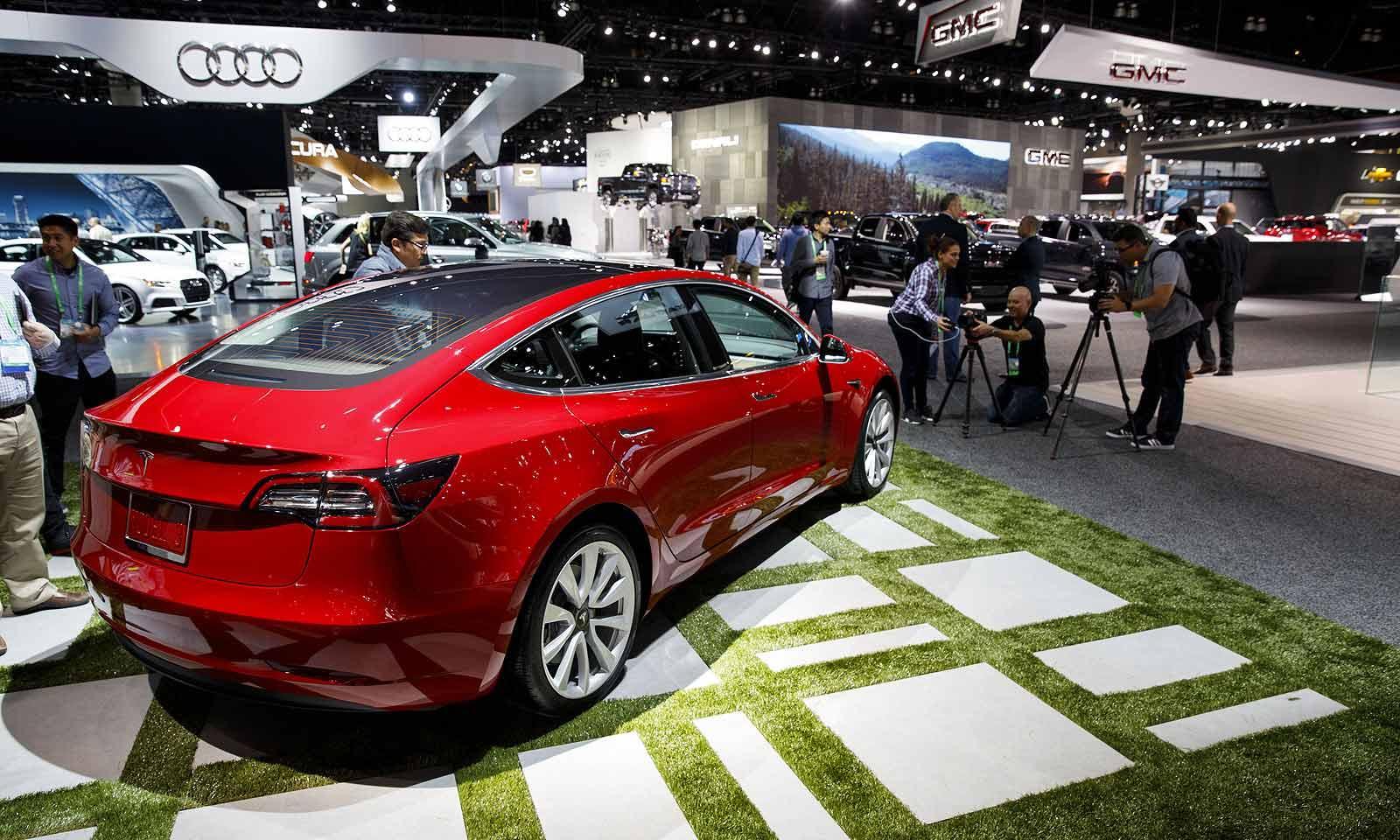 《消费者报告》测评特斯拉Model 3 称刹车距离长/操控不佳