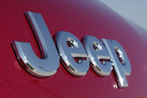 FCA美国工厂停车场发生火灾 至少18辆Jeep受损