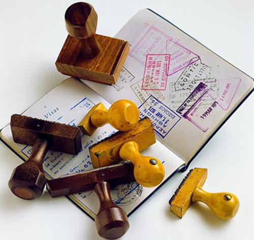 在英中国留学生半月内险被递解又获5年签证