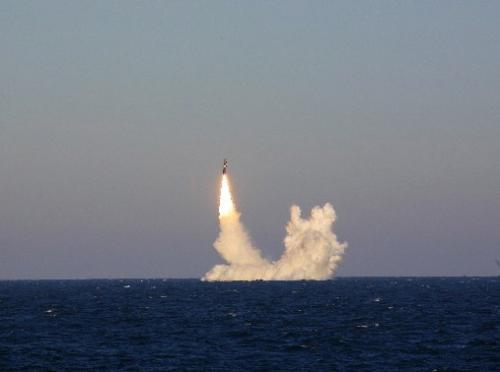 大手笔!俄军北风之神级核潜艇一次齐射4枚布拉瓦导弹