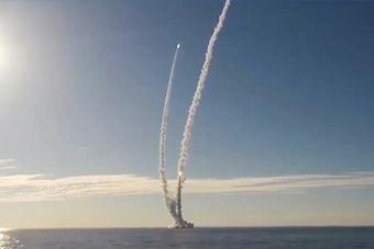 大手笔!俄核潜艇一次齐射4枚布拉瓦洲际导弹