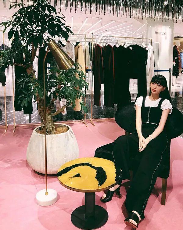 天呐|_拥有粉丝103W+的日本最会穿女星,竟然是个中国人?