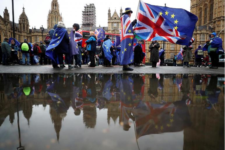 脱欧期限仅剩1年 梅姨政府却被批评谈判一塌糊涂