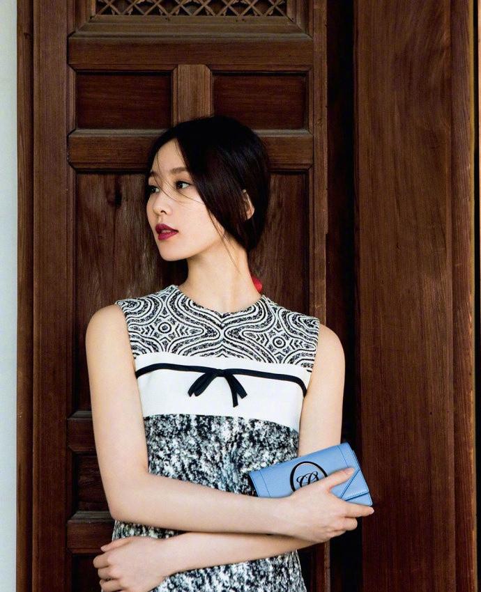 刘诗诗中国风写真仙气十足 长发及腰塑造淡雅女人