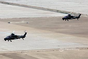天山脚下直升机演练超低空火力突击