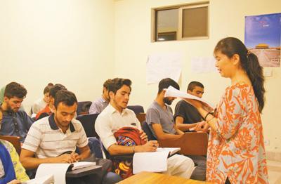 """中国文凭含金量日益提高 巴基斯坦掀起""""留学中国热"""""""