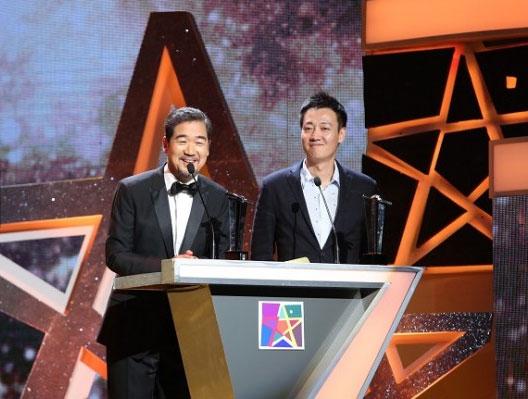 戏剧重磅大奖揭晓 辛柏青问鼎年度最佳男演员