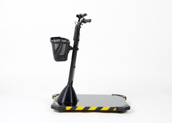 """宝马""""滑板""""车可让工人在车间快速穿行"""