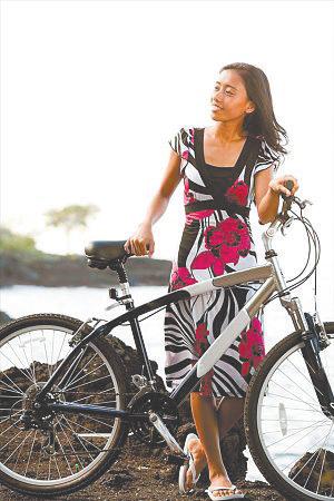 美第一都市自行车道四十公里长 林荫遮蔽景色美