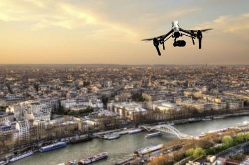 无人机管理须法规与技术双管齐下